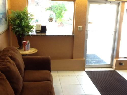 America's Best Inn & Suites Fort Lauderdale North Photo