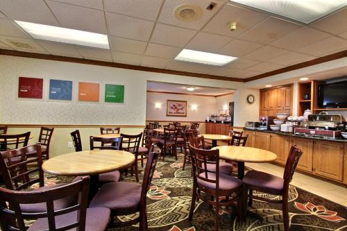 Comfort Inn Fond Du Lac Photo