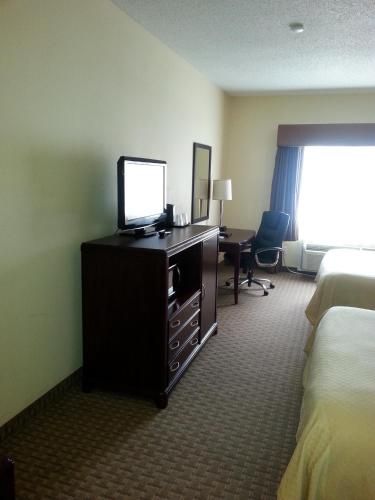 Quality Inn & Suites Houston photo 33