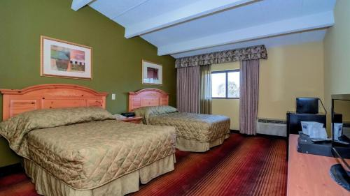 Rodeway Inn Huntington Photo
