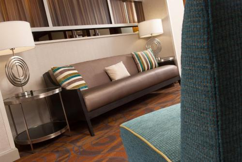 Hampton Inn Orlando-Airport photo 11