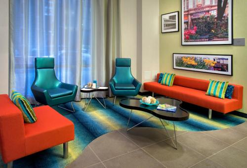 Courtyard by Marriott New York Manhattan/Chelsea Photo