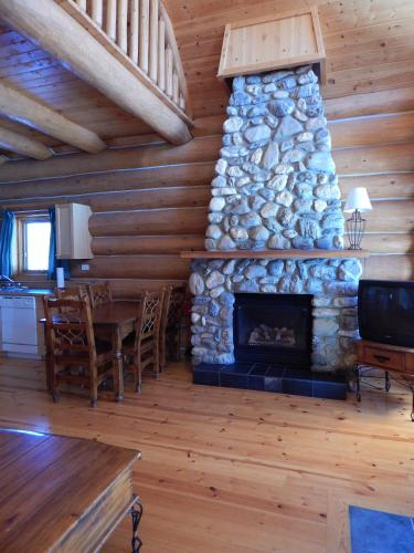 Kicking Horse River Chalets Photo