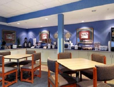 Microtel Inn and Suites by Wyndham Bossier City / Shreveport Photo