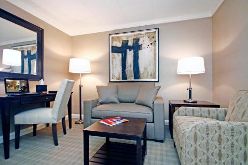 ethan allen hotel danbury ct united states overview