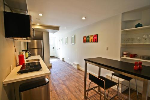 Central Mission Potrero One-Bedroom Apartment - San Francisco, CA 94110