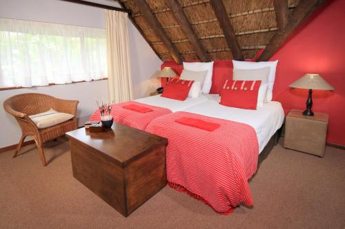 Thatchwood Country Lodge Photo
