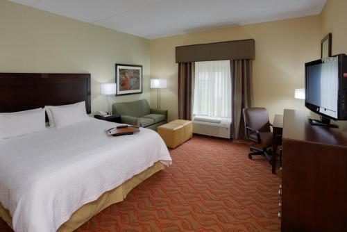 Hampton Inn Auburn Photo