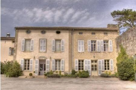 L'hostellerie de la Pomarde et le Presbytre