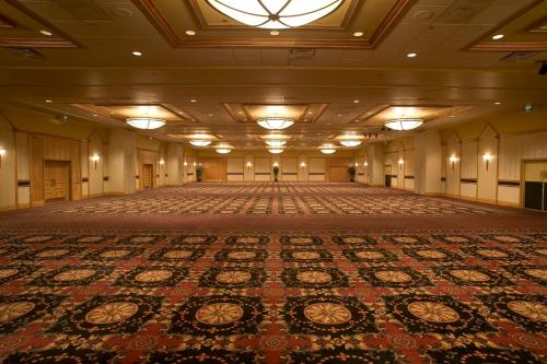 DoubleTree by Hilton Denver photo 2