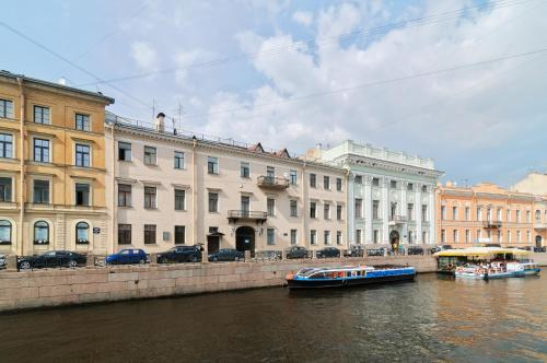 apartments on moyka embankment saint petersburg russia overview. Black Bedroom Furniture Sets. Home Design Ideas