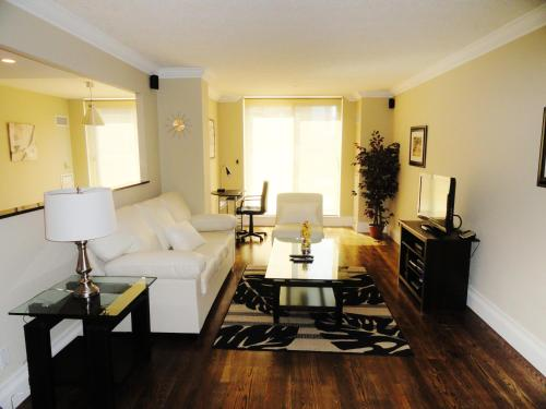Toronto Furnished Rentals Photo