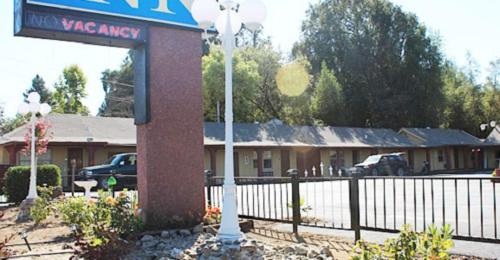 Western Village Inn - Willits, CA 95490