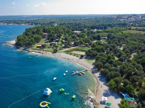 Гостевой дом «Aqua Camp Mobile Homes in Camping Brioni», Štinjan