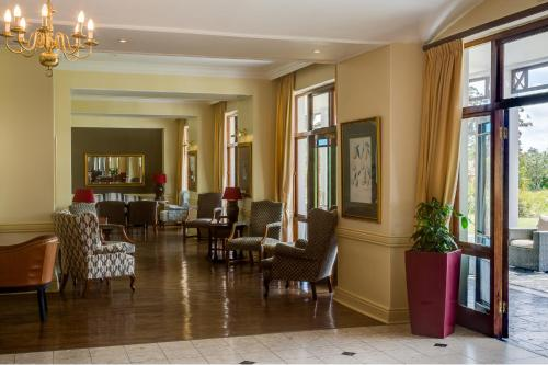 Protea Hotel by Marriott George King George Photo