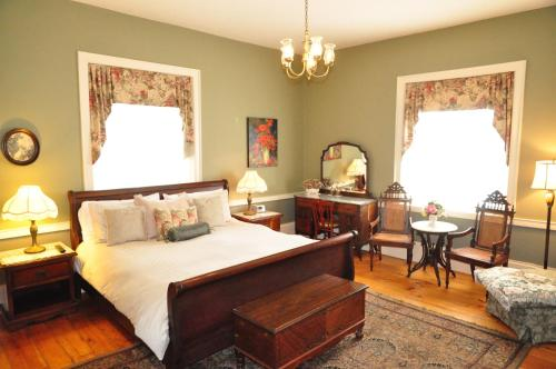 Brockamour Manor Bed and Breakfast Photo