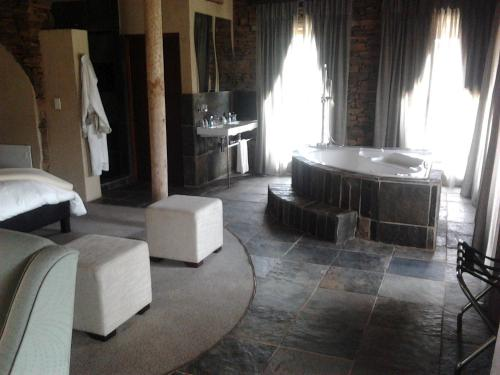 Zandibela Private Game Lodge Photo