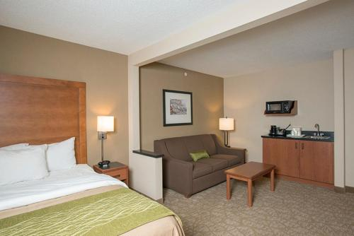 Comfort Inn & Suites West Chester Photo