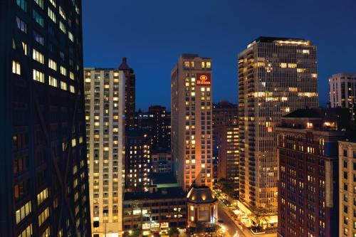 Hilton Chicago/Magnificent Mile Suites photo 9