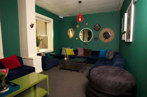 HI San Francisco Downtown Hostel Photo