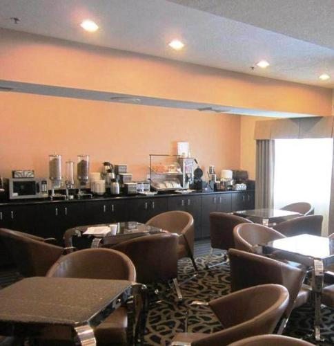Best Western Plus - Wendover Inn Photo