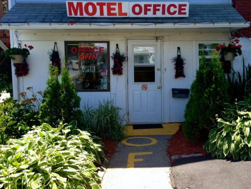 Hillside Motel Photo