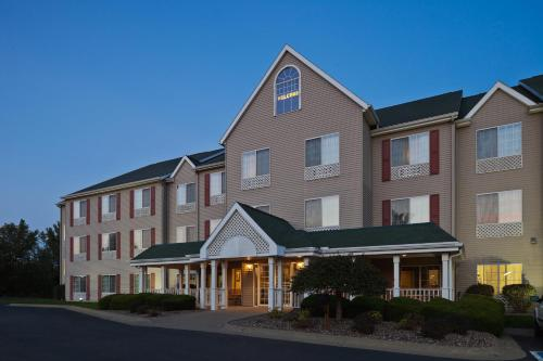 Country Inn And Suites By Carlson Clinton - Clinton, IA 52732