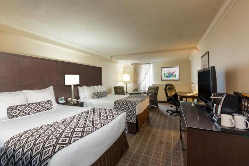 Crowne Plaza Toronto Airport Photo