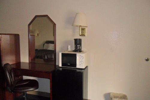 Luxury Inn & Suites Photo