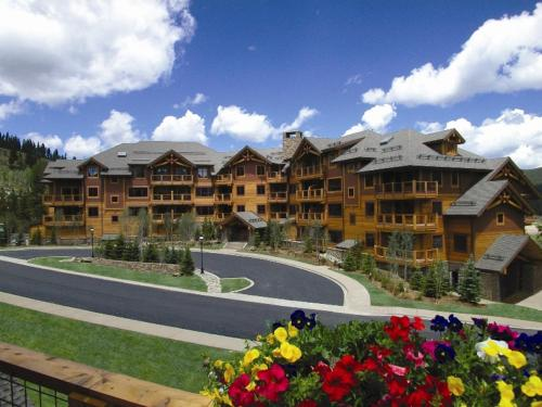Mountain Thunder Lodge - Breckenridge, CO 80424