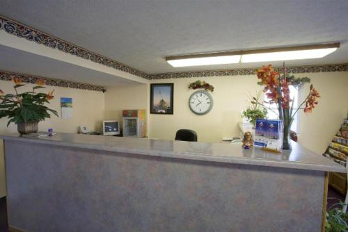 America's Best Value Inn Litchfield - Litchfield, IL 62056
