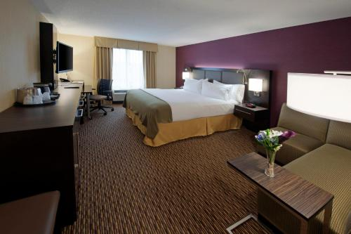 Holiday Inn Express Hotel & Suites Clearfield Photo