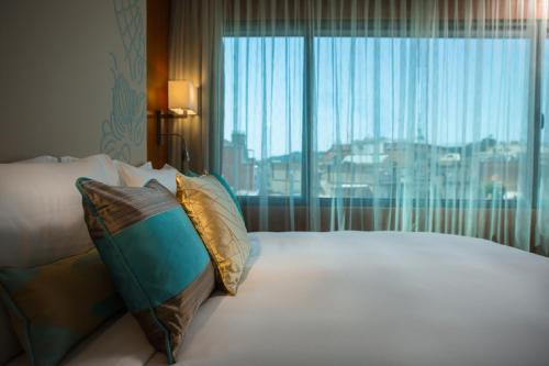 Renaissance Barcelona Hotel, A Marriott Luxury & Lifestyle Hotel photo 18