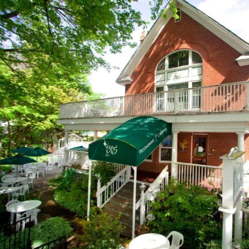 Greenbriar Inn Photo