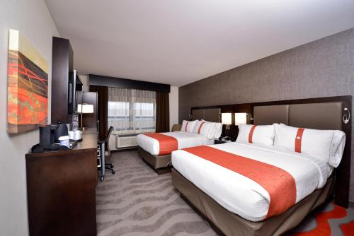 Holiday Inn New York-JFK Airport Area Photo