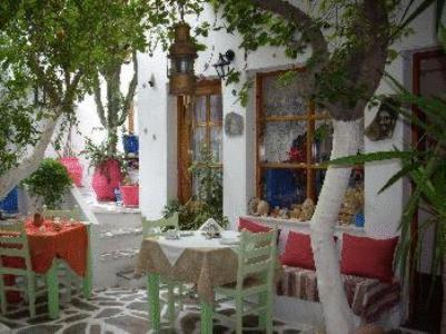 Arian Hotel - Ekatontapiliani Greece