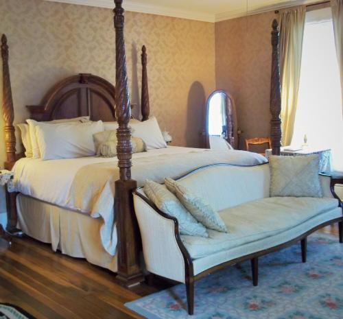 Maple Hill Bed and Breakfast Photo