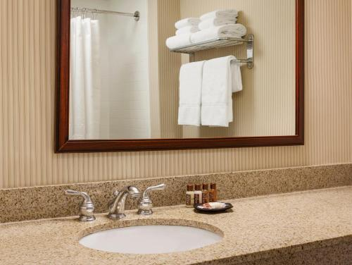 Sheraton Providence Airport Hotel Photo