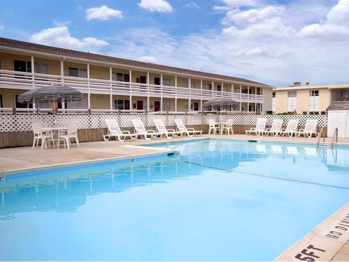 Picture of Days Inn and Suites Kill Devil Hills - Mariner/><p class=