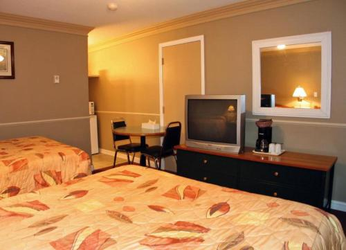 Intown Inn & Suites Photo