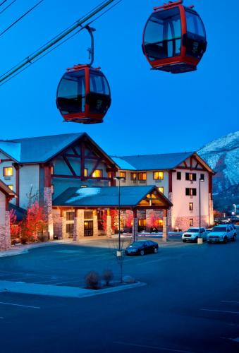 Hotel Glenwood Springs Photo