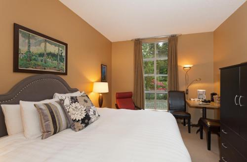 Glacier Lodge by Whistler Accommodation Photo