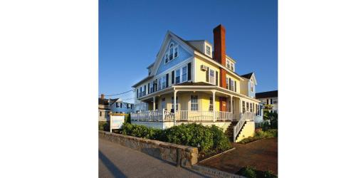 The Beach House Inn Photo
