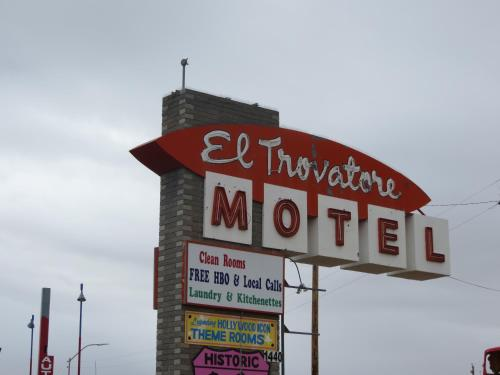 Picture of El Trovatore Motel/><p class=