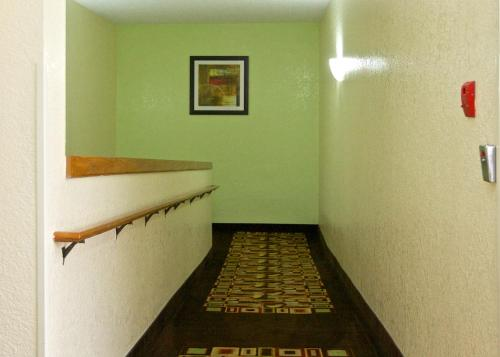 Econo Lodge Cartersville Photo