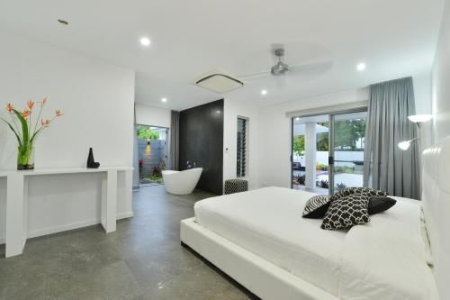 #2 Andrews - Port Douglas