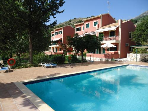 Vivi 39 s apartments ikefalonia for Pool garden mountain resort argao