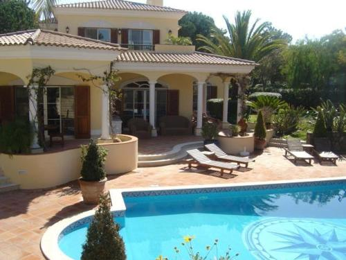 holidays algarve vacations Quinta do Lago Mataluka by Shirley Dunne
