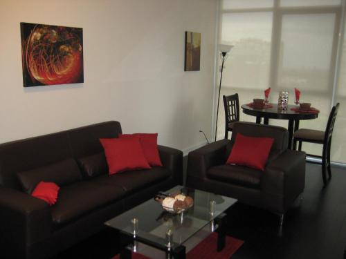 Home4All Furnished Suites - Square One Photo
