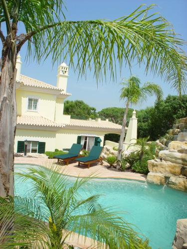 holidays algarve vacations Vale do Lobo Villa Bella By Shirley Dunne